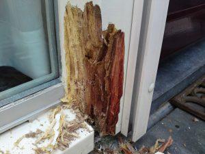 houtrot in raamkozijn